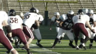 Running back sweep to the outside. video