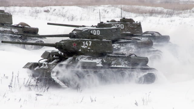 Russian Tanks T34 attack. Audio included video
