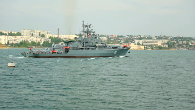 Russian warship in the harbor video
