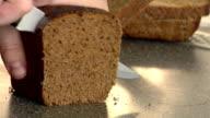 rye-bread cutting video