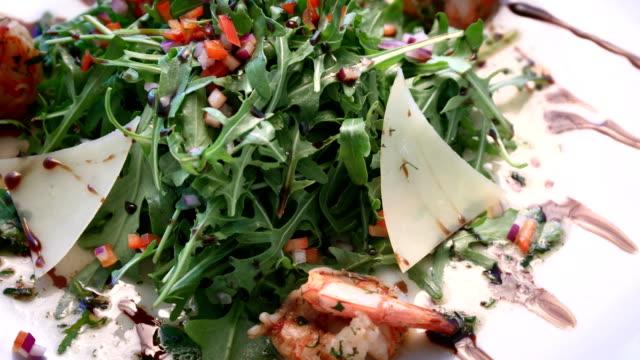 salad greens and shrimp video