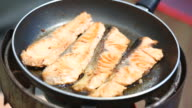 salmon fry in the pan video