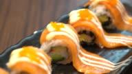 salmon maki video