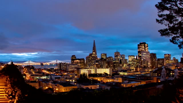 San Francisco Sunrise over Downtown - Zoom out video