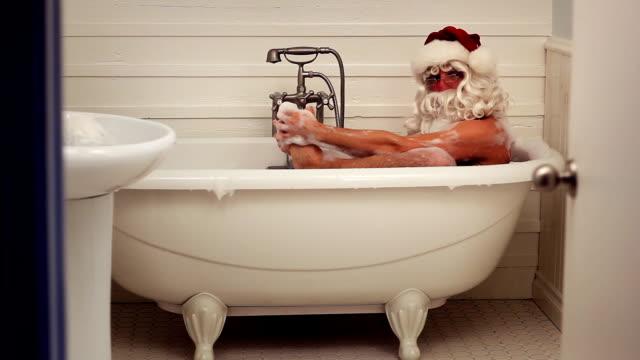 Santa Bath video