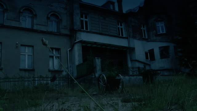 scary house (looks dark on preview) video