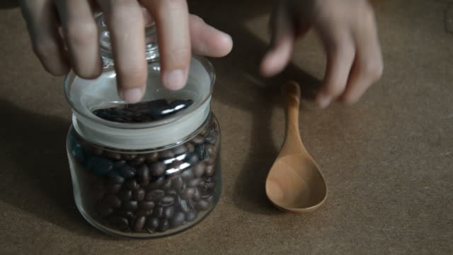 scoop coffee beans video
