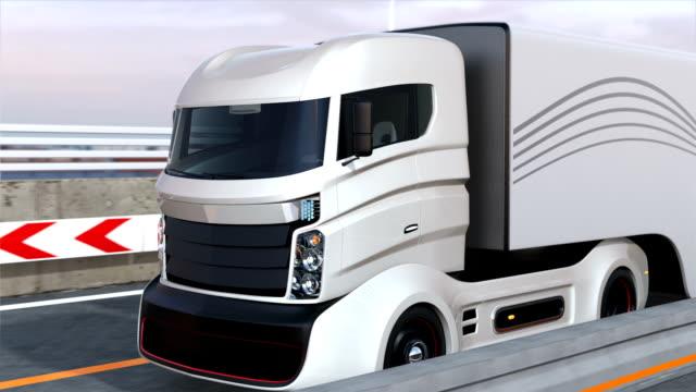 Self driving hybrid trucks on the highway video