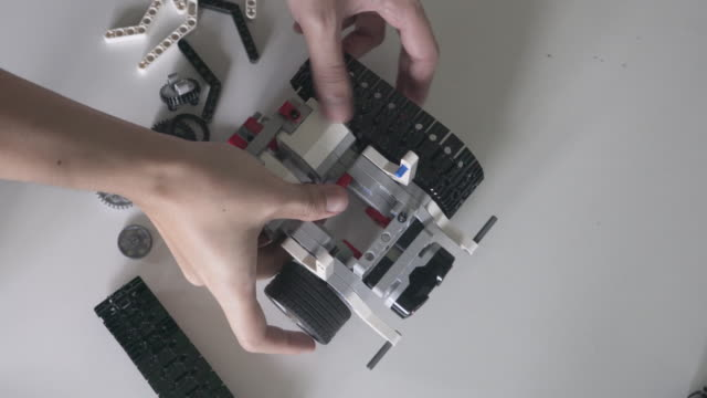 Self-made robot STEM video