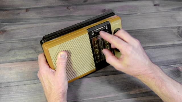 setup old radio video