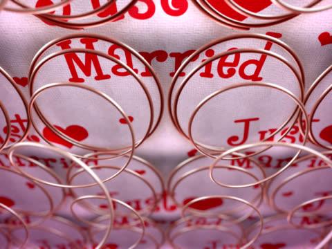 Sex Bed springs just married - NTSC, loop video