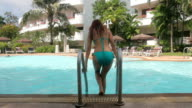 Sexy girl in bikini video