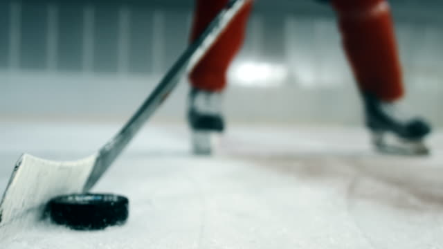 Shaking the puck close up 4K video