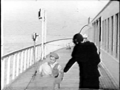 Ship Walk - 1930's 16mm film video