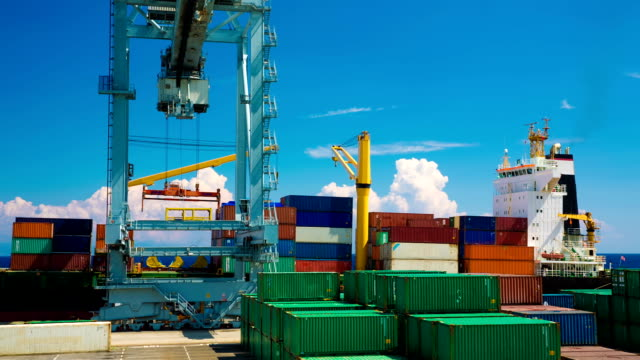 Shipping of containers video