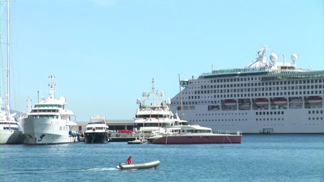 HD: Ships In Monaco video