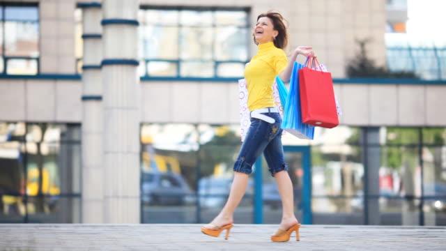 Shopping happy girl. video