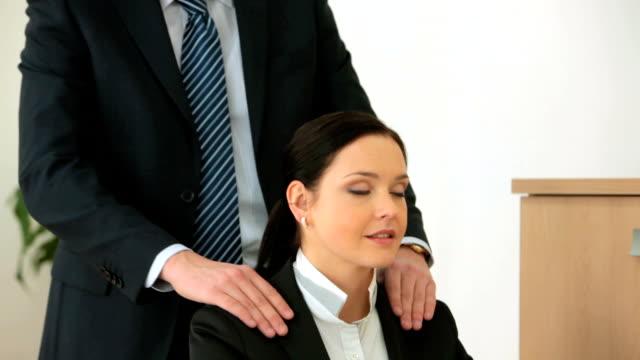 Shoulder massage video