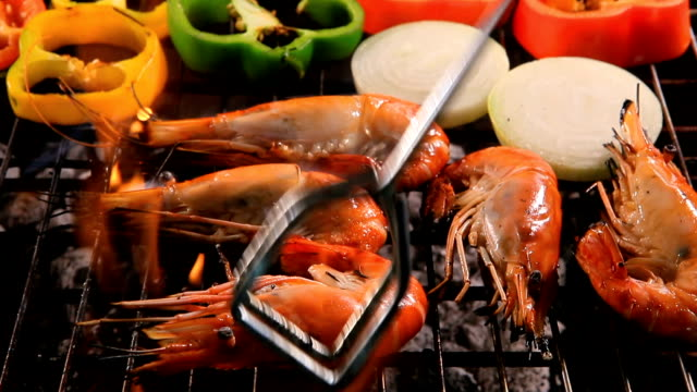 shrimp grilled with onion ,chilly on barbecue stove video