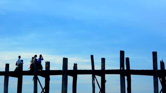 Silhouette of U Bein bridge at sunset Amarapura, Mandalay, Myanmar. video