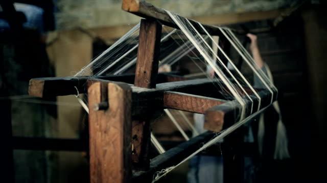Silk yarn wraps around machine video
