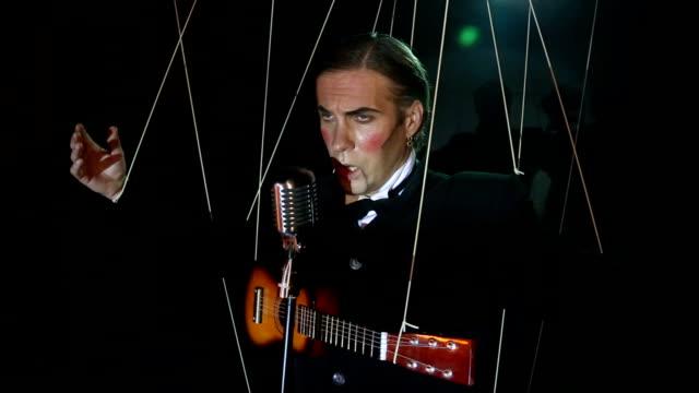 singer - guitarist puppet video