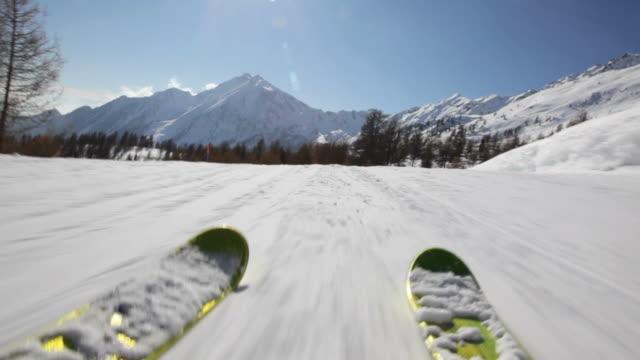Skiing downhill - HD1080p Canon 5Dmk2 video