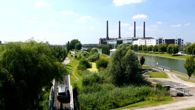 Skyline Wolfsburg, panning video