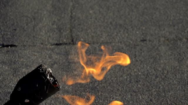 Slow burning gas burner video