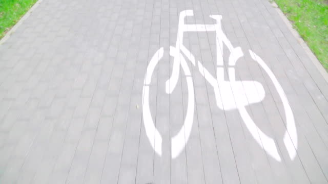 Slow motion: Dolly shot cycle path video