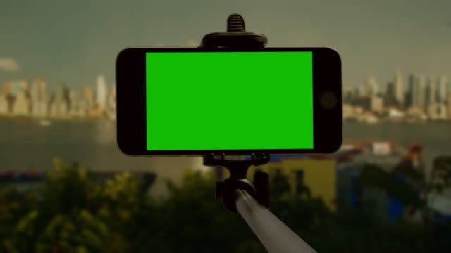 Smart phone chromakey green screen selfie stick New York City video
