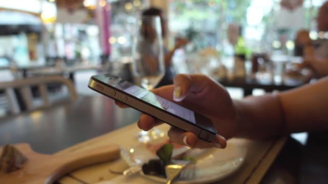 smartphone restaurant video
