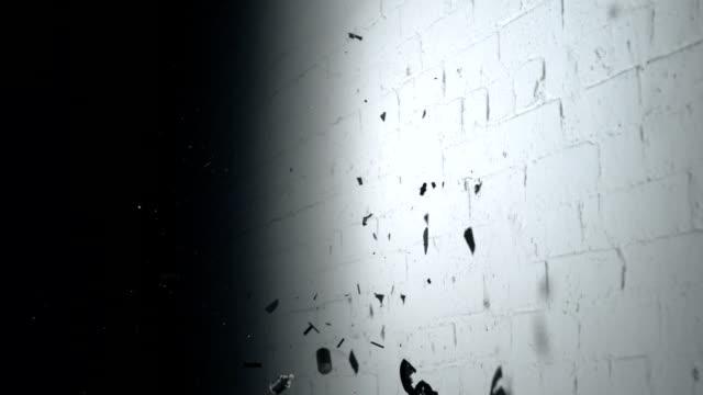 Smashing clock, Slow Motion video