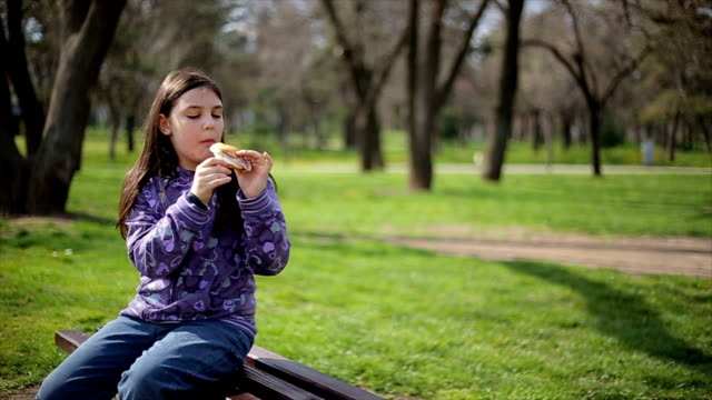 snack in park video