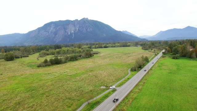 Snoqualmie Valley Traffic Mount Si Highway 202 video