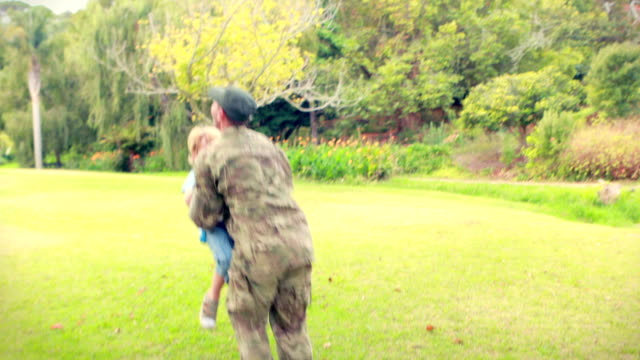 Soldier reunite with his son video