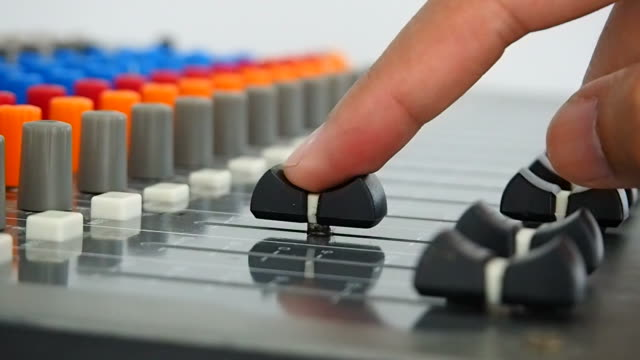 Sound mixing - close up video