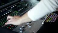 HD CLOSE UP: Soundboard video