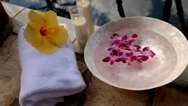 Spa accessories poolside video