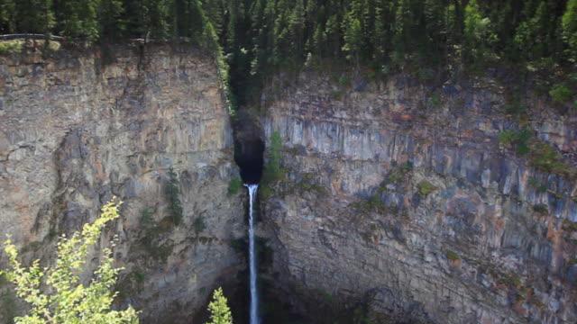 Spahats Creek Falls, Wells Gray Provincial Park video