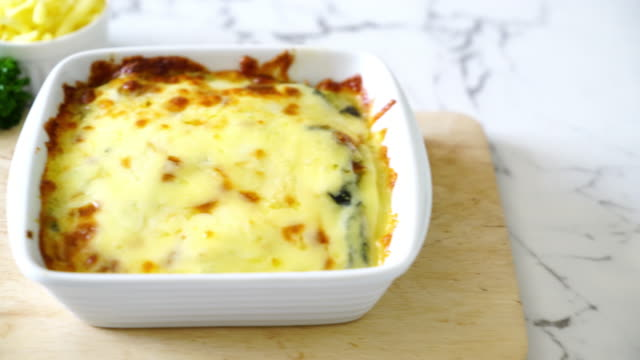 spinach with cheese video