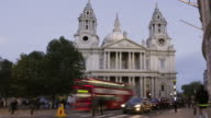 St Paul's Cathedral Time lapse     COM TR CI video