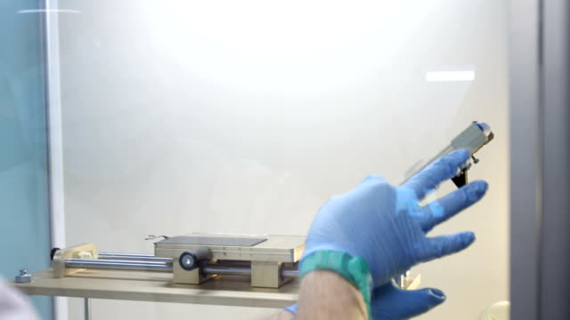 Stamping polarizing film to the LCD smartphone display video