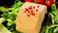 Steamed salmon with lettuce and tomatoes video