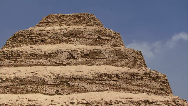 Step pyramid in Giza zoom out video