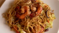 stir-fried noodles with shrimp video