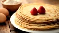 strawberry pancakes video