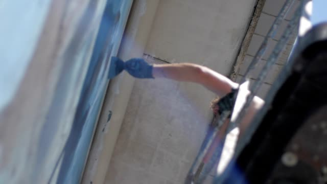 Street artists and painters at work video