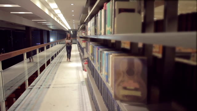 Student in the Library video