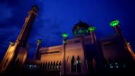 Sultan Omar Ali Saifuddin Mosque video